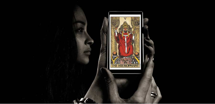 The_Hierophant_Tarot_Card_Says_Do_The_Right Thing_psychics_online_explain_how